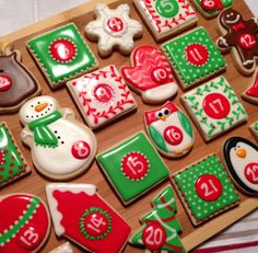 Christmas countdown | Cookie Connection Christmas Countdown, Christmas Goodies, Christmas Holidays, Merry Christmas, Christmas Trees, Biscuit Cookies, Food Festival, Xmas Crafts, Cookie Decorating