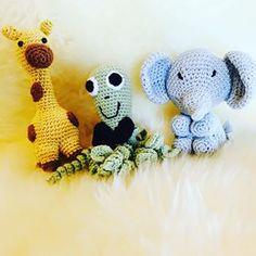 Ok lover jeg ikke poster flere billeder af #sprutte #garn #sponseret af #mayflowerknitting til det 9. #pindeven projekt #mayflowermoments #mayflowergarn #dyr#giraffengumle #enelefantkommarcherende #sangkuffert #børnesange #hækling#homemade#diy#crochet #organic #yarnaddict #yarnlove