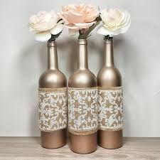 Diy wedding decorations spring wine bottles 29 ideas for 2019 Wrapped Wine Bottles, Wine Bottle Vases, Wine Bottle Centerpieces, Wedding Wine Bottles, Recycled Wine Bottles, Diy Centerpieces, Wine Bottle Crafts, Diy Wedding Decorations, Spring Decorations