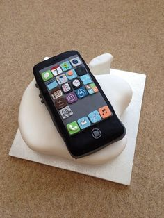Groom's cake idea: iPhone 5 and Apple logo cake Cake by HoneycombCakes this is my fiancé Steve Wozniak, Fiance Birthday, Nerd Birthday, Birthday Cake, Computer Cake, Iphone Cake, No Bake Cake Pops, Anti Gravity Cake, Cake Mix Muffins