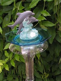 Dolphin garden stake Garden Totems, Garden Stakes, Garden Art, Garden Ideas, Art Decor, Decor Ideas, Home Decor, Bird Baths, Glass Ornaments