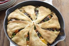 Give chicken the night off with Beef and Vegetable Skillet Bake. Crescent roll dough gives this beef and vegetable skillet an easy and impressive crust. Crescent Roll Dough, Crescent Roll Recipes, Crescent Rolls, Crescent Ring, Kraft Recipes, Beef Pot Pies, Meat Pies, Cream Of Celery Soup, Rolls Recipe