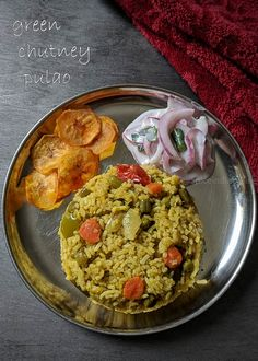 Chutney Pulao - one of the easiest pulao recipe made with store bought green chuntey used for chaat items. recipe idea from Jeyashris kitchen. she posted this on here instafeed and . Healthy Thai Recipes, Curry Recipes, Rice Recipes, Vegetarian Recipes, Cooking Recipes, Chicken Recipes, Green Chutney Recipe, Chutney Recipes, Easy Indian Recipes