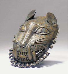 French West Africa, Royal Art, Art Africain, Africa Art, Cool Masks, African Masks, African Culture, Ancient Art, Art Techniques