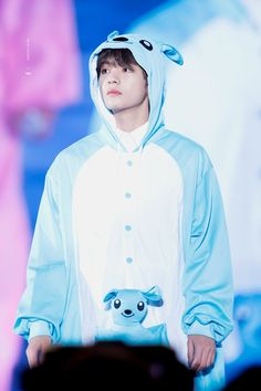 And here we have Kim Taehyung looking like a high fashion model while wearing a kangaroo suit Foto Bts, Bts Photo, Bts Taehyung, Suga Rap, Bts Bangtan Boy, Daegu, Kpop, Bts Kim, V Bts Cute