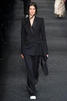 Fall 2017 ready-to-wear Alexander McQueen