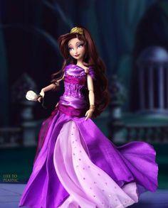 Megara Disney, Disney Dolls, Beautiful Dolls, Foto E Video, Aurora Sleeping Beauty, Barbie, Disney Princess, Disney Characters, Instagram