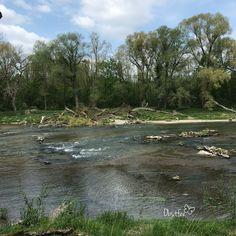 Der Fluß verändert immer wieder sein Aussehen. Mountains, Nature, Travel, Outdoor, River, Nice Asses, Outdoors, Naturaleza, Viajes