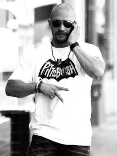 Tom Hardy reppin Pittsburgh :)