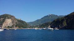 Buona domenica amici dalla baia di San Montano   foto Antonella Granata  #ischia #ischiaisolaverde #italia #laccoameno #italy
