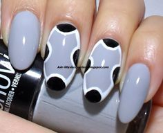 Ash-Lilly's Lacquer Lust: Racer back nails!