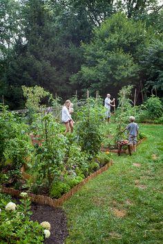 Lauren Liess' Kitchen Garden, via Pure Style Home Potager Garden, Veg Garden, Vegetable Garden Design, Edible Garden, Garden Landscaping, Backyard Vegetable Gardens, Garden Edging, Farm Gardens, Outdoor Gardens