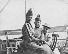 Empress Maria Fyodorovna with her sister Princess Alexandra of Wales and niece Princess Maria Georgievna of Greece