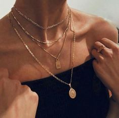 Neck jewellery - femme fatale on – Neck jewellery Dainty Jewelry, Cute Jewelry, Jewelry Accessories, Fashion Accessories, Women Jewelry, Fashion Jewelry, Jewlery, Silver Jewelry, Silver Pendants