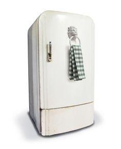 Lion's Head -  Monkey Business Geïnspireerd op de klassieke deurkloppers, maar perfect om uw handdoeken/theedoeken aan op te hangen. Dit kan met de meegeleverde schroeven of met de sterke magneet in dit product.