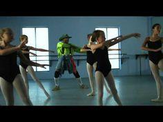 San Antonio Rodeo 2012 - Rodeo Clown Ballet Commercial