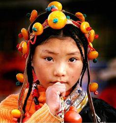 _/ <3 \*enchanting Tibetan girl*it is Lhakar day* <3