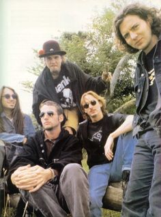 Pearl Jam..umm Stone looks exceptionally awesome in this pic