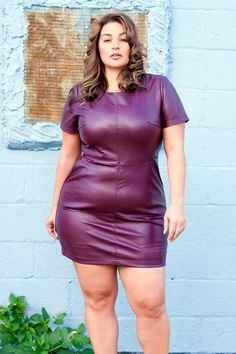 Before few years back it was really difficult to find club wear for plus size women. But now one can find plus size club wear for women very easily. Xl Mode, Mode Plus, Looks Plus Size, Plus Size Model, Moda Plus Size, Plus Size Girls, Laura Lee, Curvy Girl Fashion, Plus Size Fashion