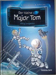 Der kleine Major Tom und seine Freundin Stella sind seit einigen Zeit auf der Raumstation Space Camp 1 und dürfen nach einem Notfall alleine -ohne Toms Vater- weiter dort bleiben.