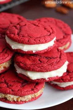 Eat Cake For Dinner: Red Velvet Sandwich Cookies with Cream Cheese Filling {From Scratch} Cupcake Cream, Cupcakes With Cream Cheese Frosting, Cream Cheese Cookies, Cream Cheese Filling, Cookie Frosting, Cupcake Recipes, Baking Recipes, Cookie Recipes, Cupcake Cakes