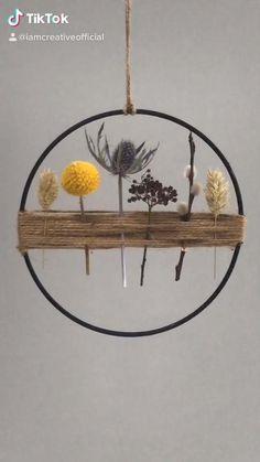 Diy Crafts For Home Decor, Diy Crafts Hacks, Diy Projects, Deco Floral, Handmade Home, Diy Wreath, Dried Flowers, Jungle Pattern, Flower Arrangements Simple