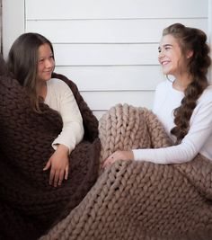 Chunky Blanket Christmas Gift Merino Wool Blanket Throw The Effective Pictures We Offer You About st Giant Knit Blanket, Chunky Blanket, Inexpensive Christmas Gifts, Handmade Christmas Gifts, Knitted Blankets, Merino Wool Blanket, Chunky Babies, Christmas Gifts For Teen Girls, Chunky Wool