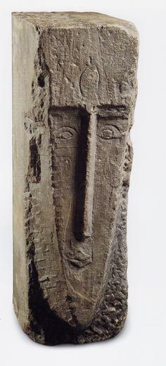 Amedeo Modigliani, Head (1911-12) Limestone. 73.7cm high. Private Collection, Toronto. (Ceroni IV)
