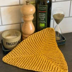 Crochet Home Decor, Diy Crochet, Baby Knitting Patterns, Crochet Patterns, Pot Holders, Needlework, Diy And Crafts, Crafty, Diys