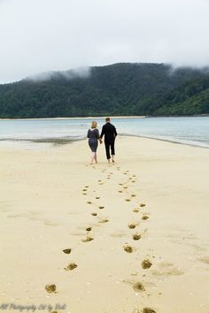 Adele Island famous sand spit for weddings & renew of vows.