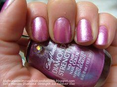 Klub Nieanonimowych Lakieroholiczek: Sally Hansen Diamond Strength 22 Forever lilac