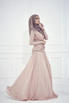 Trendy, stylistic, fashionable and Beautiful collection of Abaya gowns, kaftan and hijabs for all the Muslim women out there who want to wear the hijab Modest Wear, Modest Outfits, Modest Fashion, Hijab Fashion, Hijab Outfit, Hijab Dress, Gown Dress, Chiffon Dress, Beautiful Hijab