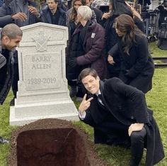 "Grant Gustin Poses Next To Oliver Queen's Grave In This Fresh Dank Meme - Funny memes that ""GET IT"" and want you to too. Get the latest funniest memes and keep up what is going on in the meme-o-sphere. Really Funny Memes, Stupid Funny Memes, Funniest Memes, Dc Memes, Marvel Memes, Meme Meme, Memes Humor, The Flash, Reaction Pictures"