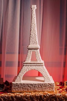 Eiffel Tower wedding cake annacakes.com