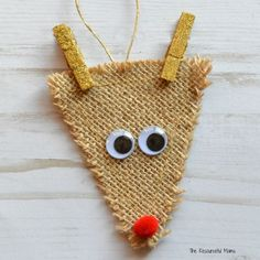 Get In the Holiday Spirit With These 10 Easy Christmas Crafts for Kids - Rentier basteln Reindeer Craft, Snowman Christmas Ornaments, Christmas Crafts For Kids, Simple Christmas, Christmas Diy, Christmas Decorations, Christmas Baubles, Christmas Projects, Holiday Crafts