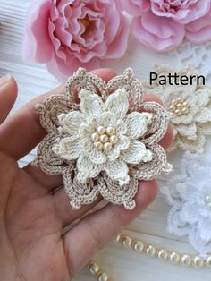 53 Crochet Flower Patterns And What To Do With Them Easy crochet flowers; crochet flowers for hats Per voi una carrellata dei pun How to Crochet a Puff Flower - Crochet Ideas It is a very rewarding way to expand to your crochet skills! Beau Crochet, Crochet Puff Flower, Crochet Flower Patterns, Flower Applique, Crochet Motif, Crochet Doilies, Crochet Flowers, Crochet Stitches, Knit Crochet