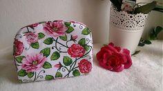 Wesega / Kvetovaná taštička-kozmetická