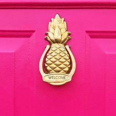 Who knew that a hot #pinkdoor could spark so much intrigue?! I keep getting texts from friends wanting to see how it turned out... And I found so many swoon worthy door knockers on my hunt that I decided to post everything on my blog! Link in profile! #ou (scheduled via http://www.tailwindapp.com?utm_source=pinterest&utm_medium=twpin&utm_content=post159962641&utm_campaign=scheduler_attribution)