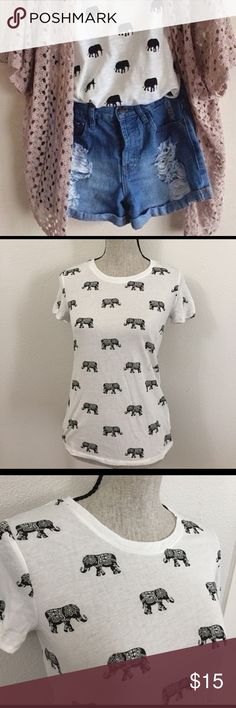 Elephant print tee In excellent condition! Cover photo for inspiration only. Actual shirt is the second and third photo. Forever 21 Tops Tees - Short Sleeve