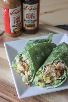 Try my copycat Red Robin Whiskey River BBQ chicken wraps at home today. Be sure to use the Red Robin Whiskey River barbecue sauce for an authentic taste! Lunch Recipes, New Recipes, Dinner Recipes, Cooking Recipes, Favorite Recipes, Healthy Recipes, Copycat Recipes, Healthy Lunches, Restaurant Recipes
