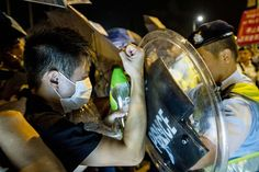Hong Kong Police Clash With Pro-Democracy Student Protesters - WSJ