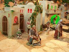 Pormenor da vila antiga!  Venha até ao maior Presépio do Mundo em movimento, aberto todos os dias das 8h às 24h.  A entrada é livre.