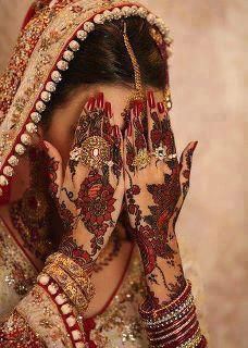 Henna mehndi designs are popular in all women of world because to its elegant designs. There are most beautiful simple henna mehndi designs for girls for
