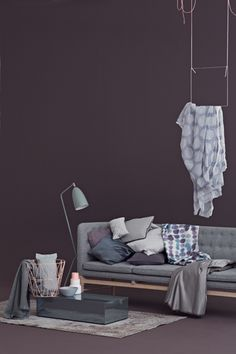 Inspirational Aubergine and greyish blue