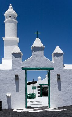 Free Guides of Lanzarote Travel Around The World, Around The Worlds, Places To Travel, Places To Go, Spain Travel, Croatia Travel, Africa Travel, Hawaii Travel, Italy Travel