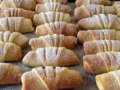 Μηλοπιτάκια φανταστικά !!! #Γλυκά Greek Sweets, Greek Desserts, Greek Recipes, Apple Pie Recipes, Fruit Recipes, Dessert Recipes, Sweet Buns, Sweet Pie, Food Network Recipes