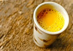 Benefits of Drinking Turmeric Milk are related to health & Beauty. Facts & Proven Health Benefits of Drinking Turmeric Milk. Drinking Turmeric Milk is the best remedy Smoothie Curcuma, Curcuma Latte, Turmeric Smoothie, Turmeric Golden Milk, Turmeric Milk, Turmeric Paste, Turmeric Juice, Turmeric Health, Organic Turmeric