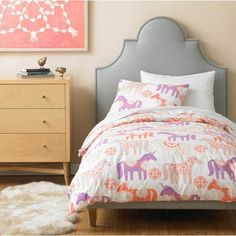 unicorns heck ya!!! Can't wait for Leah to move into a big girl bed... maybe this set comes in queen size???