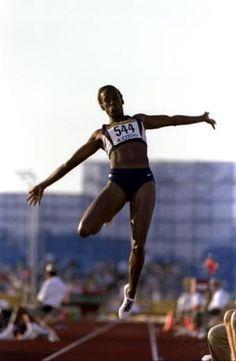 What's the Proper Technique for Doing the Long Jump?: Flight – Hang Technique