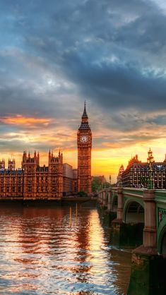 Palace of Westminster and Big Ben, London Iphone Wallpaper London, Europe Wallpaper, Wallpaper Free, Sunset Wallpaper, City Wallpaper, Big Ben, Westminster, London Instagram, Drawing Tips